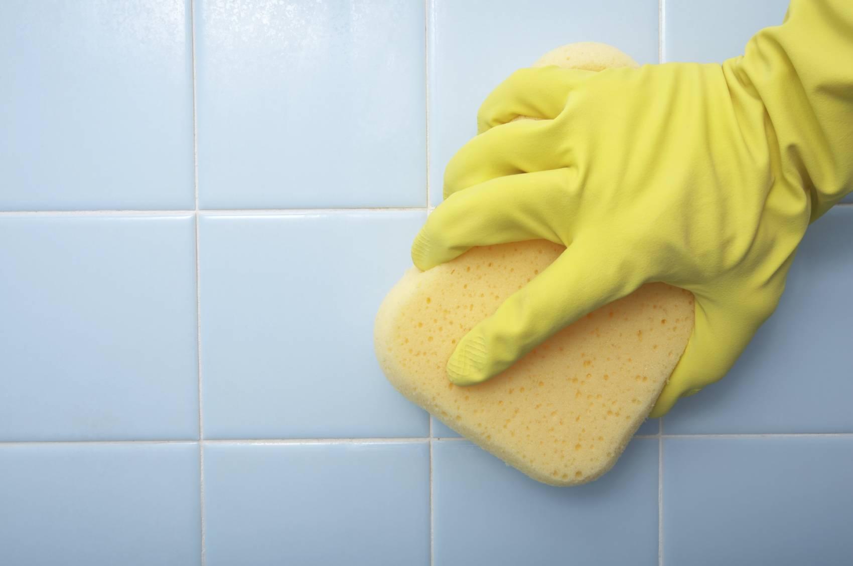 Чем отмыть кафель в ванной до блеска