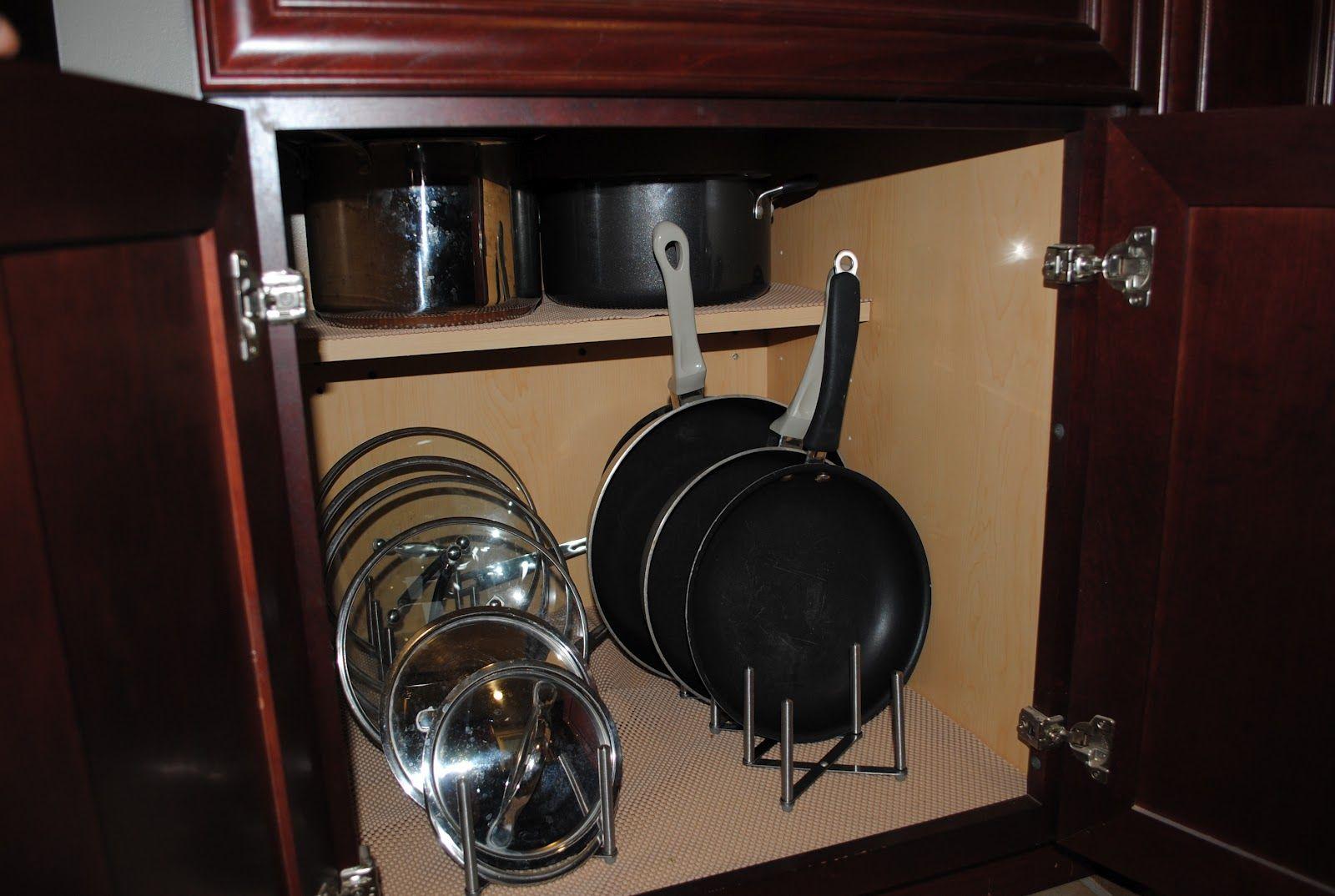 Идеи для хранения сковородок с крышками_5
