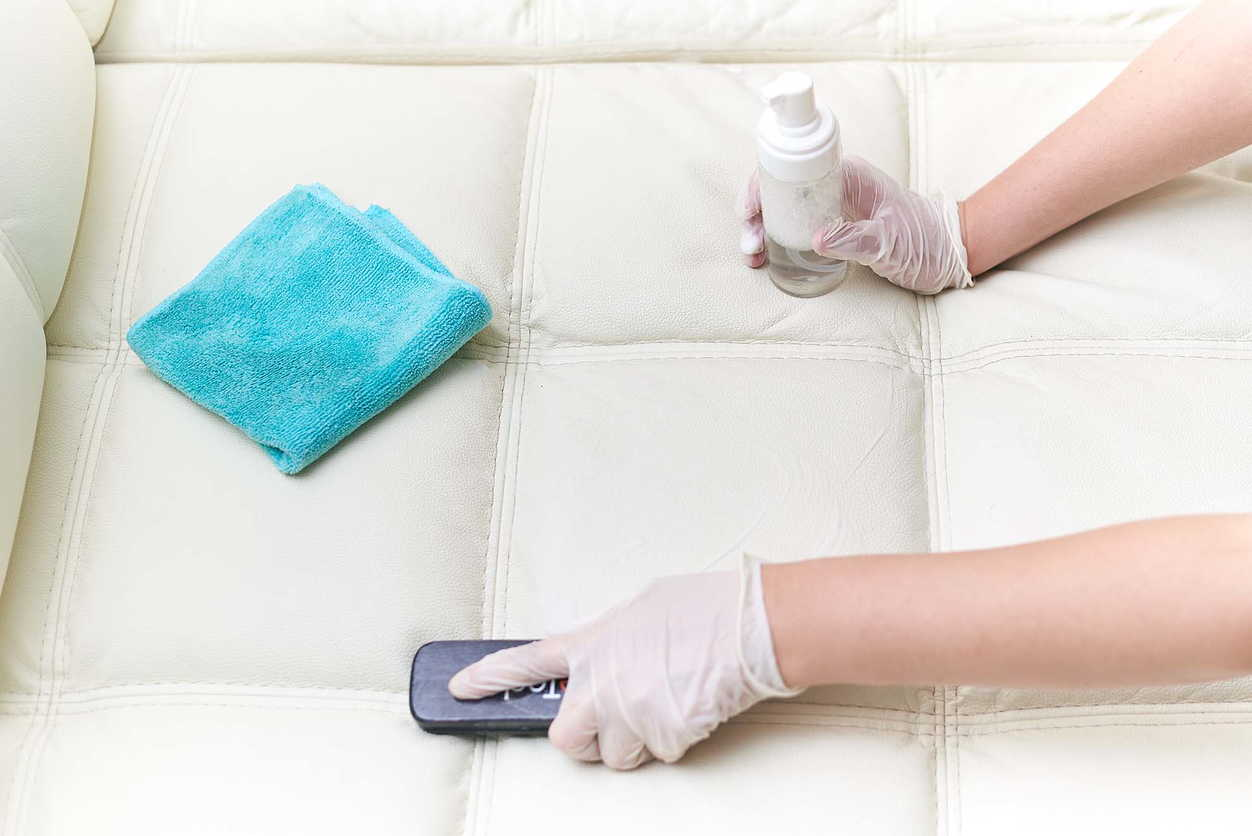 Лучшие способы очистки мягкой мебели от загрязнений_3
