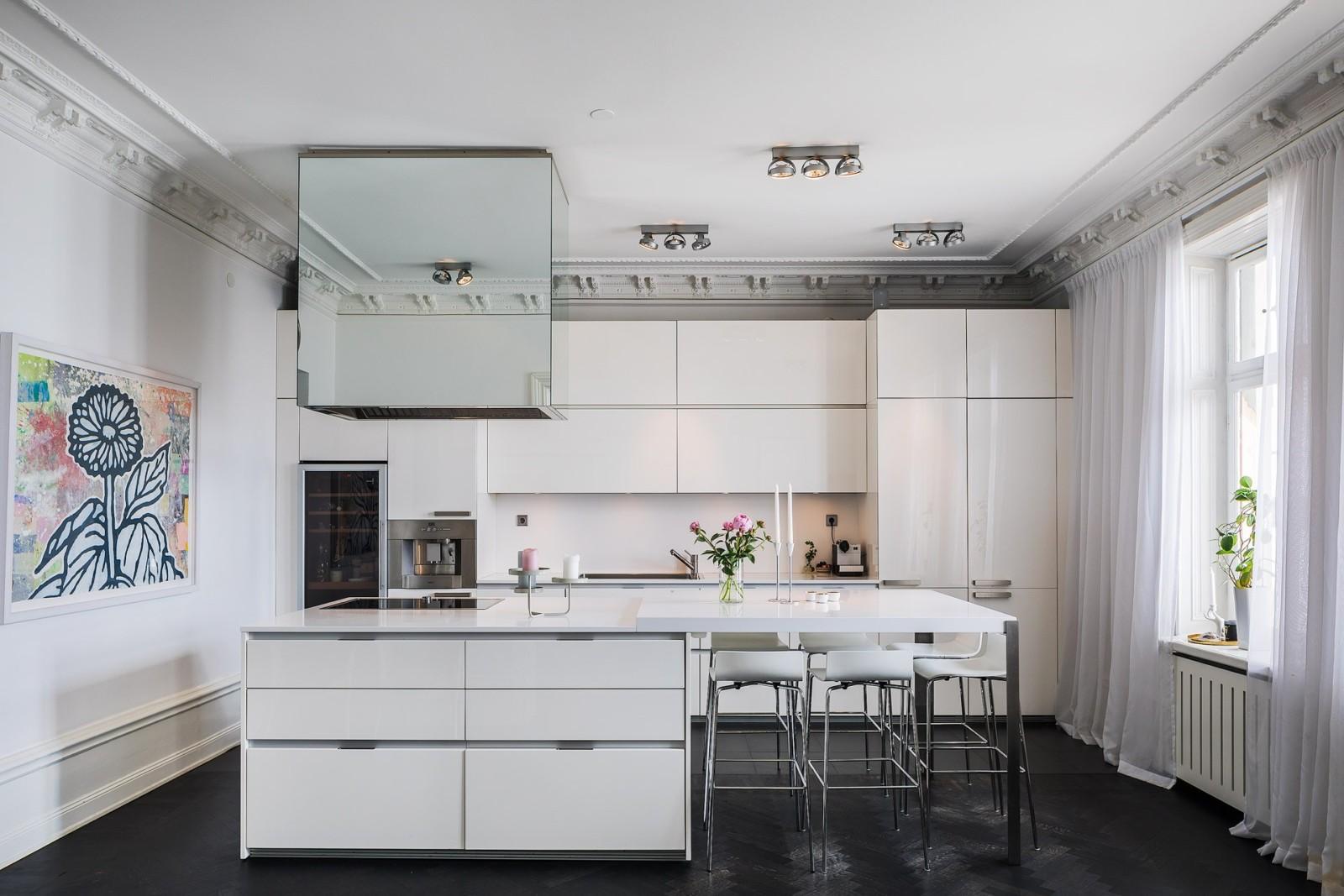 Как эффективно расставить мебель на кухне_6