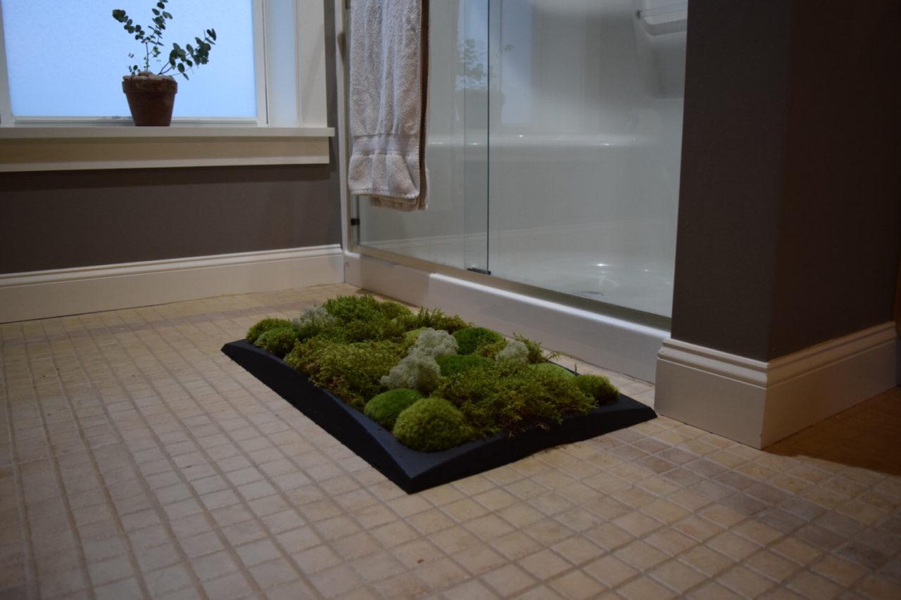 Моховой коврик в ванную