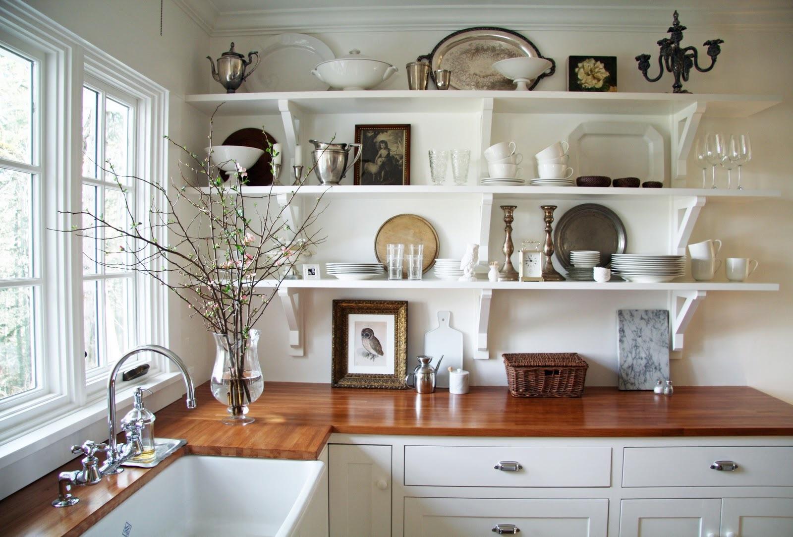 Открытые полки: создаем гармоничный дизайн кухни_1