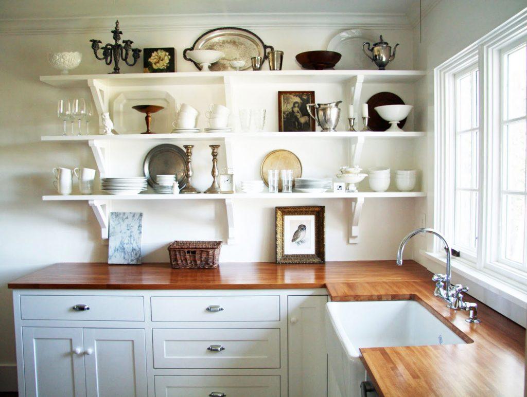Открытые полки: создаем гармоничный дизайн кухни_4