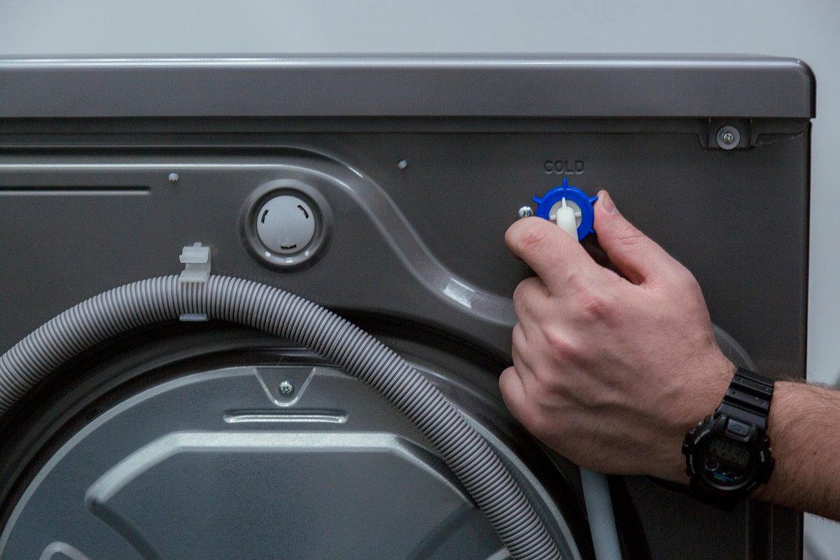 Почему течет вода из стиральной машины_3