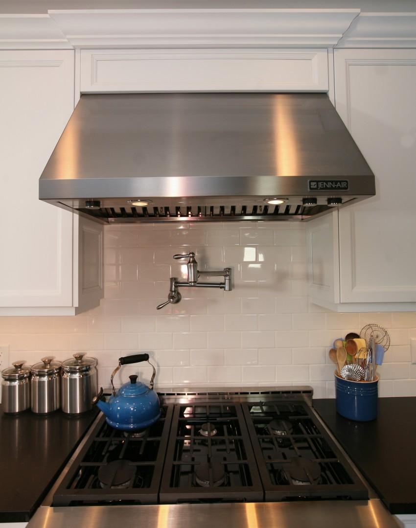 На какой кухне стоит использовать подвесные модели бытовой техники_2