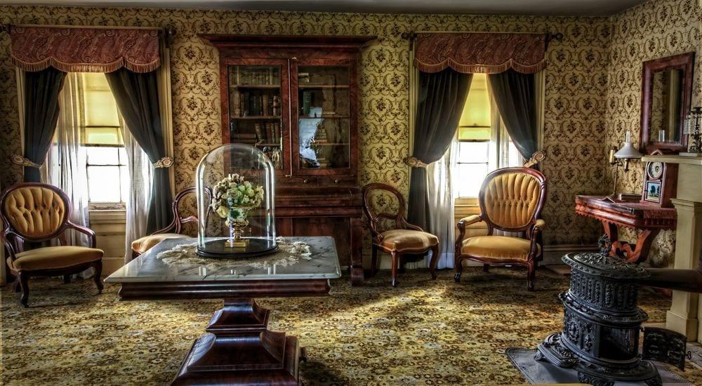Интерьер в готическом викторианском стиле