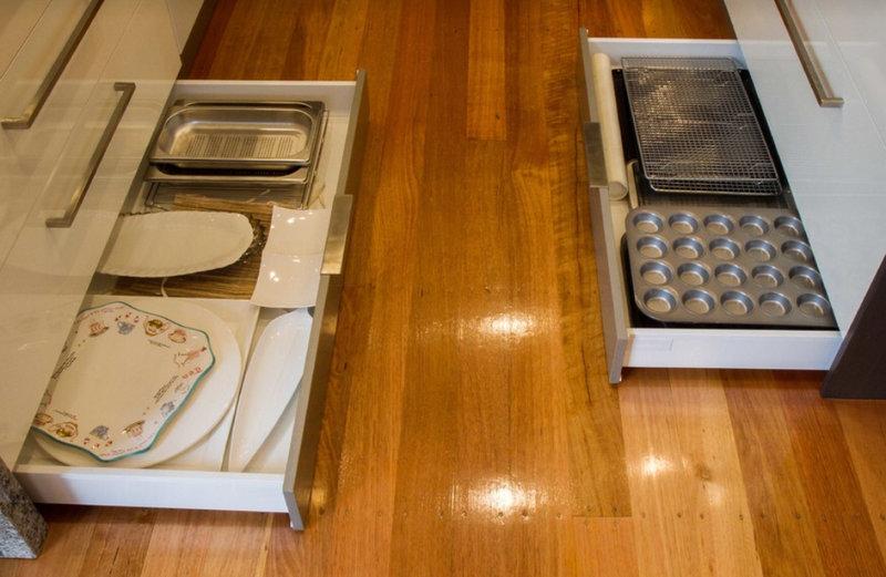 Ящики в цоколе кухни_4