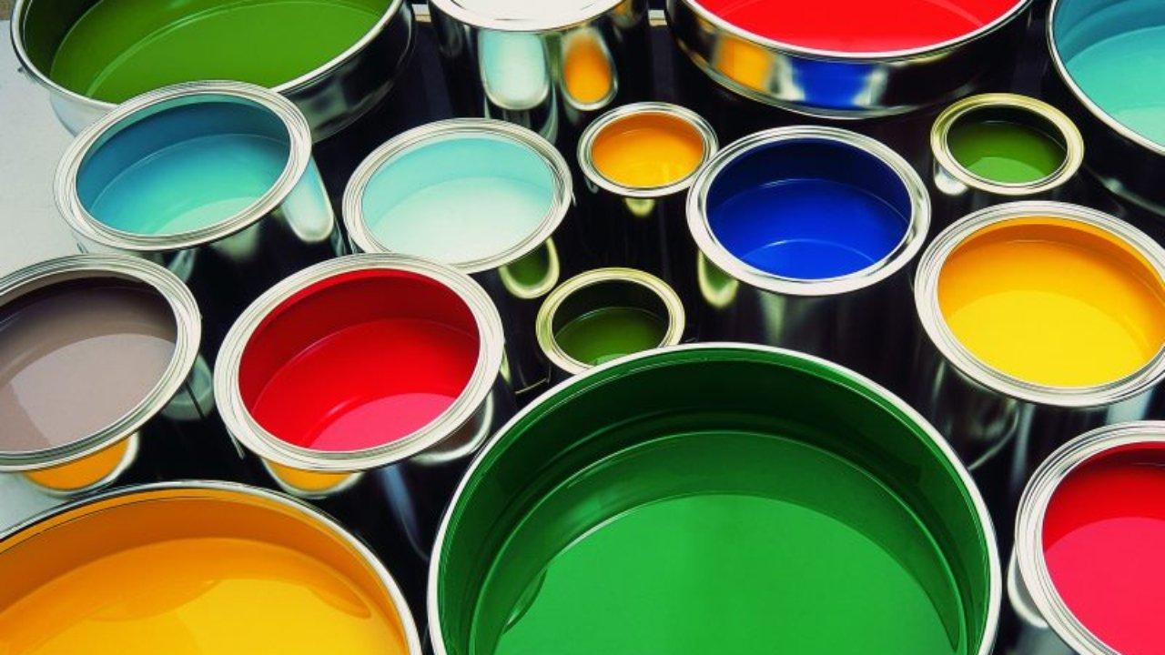 Как быстро удалить пятная от краски со стен и пола