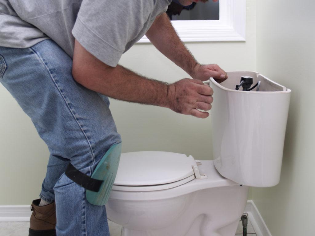 Как отмыть бачок унитаза изнутри