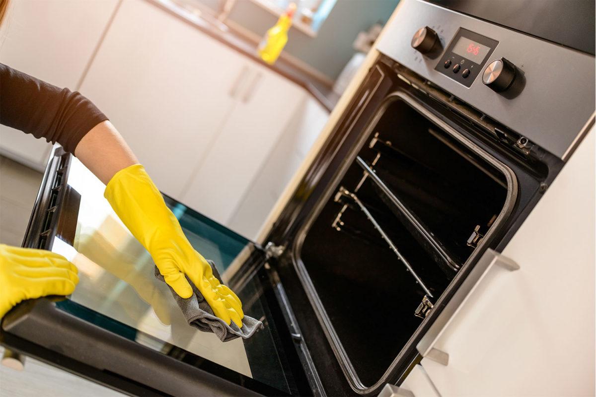 Каталитическая, пиролитическая и гидролизная очистка духовки: разбираемся в деталях