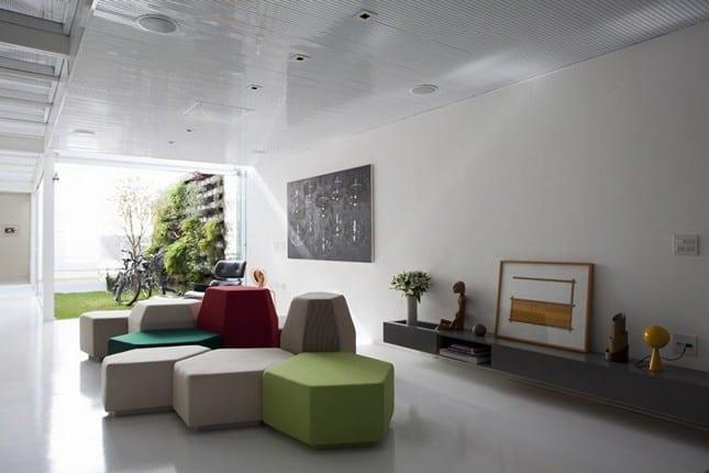 Минимализм в белом цвете 4×30 House в Сан-Паулу, Бразилия