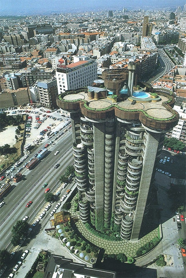 Torre Blancas — жилой дом в Мадриде от Francisco Javier Saenz de Oiza