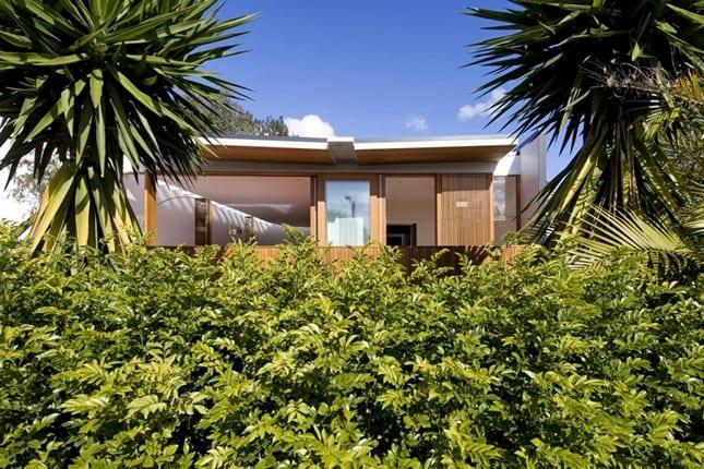 Curl Curl Beach House от CplusC Architects в New South Wales, Австралия