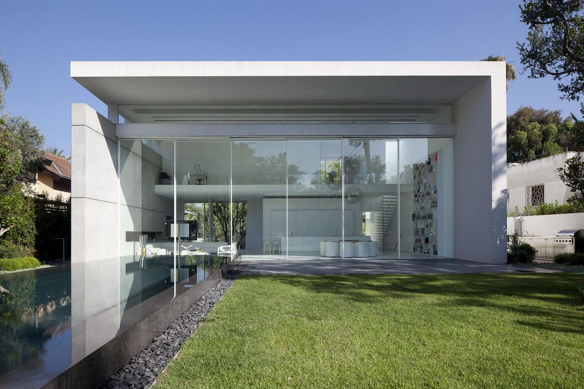 Абсолютный минимализм частного дом в Израиле