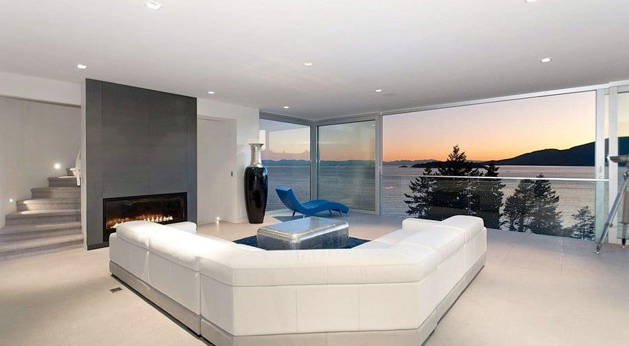 Атмосфера спокойствия с красивым видом из окна в Ванкувере