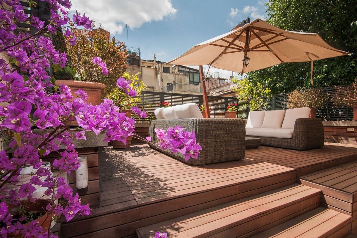частный дом с террасой, 3C+t Capolei Cavalli a.a, частный дом в риме, проекты деревянных террас, деревянный пол террасы, открытая деревянная терраса