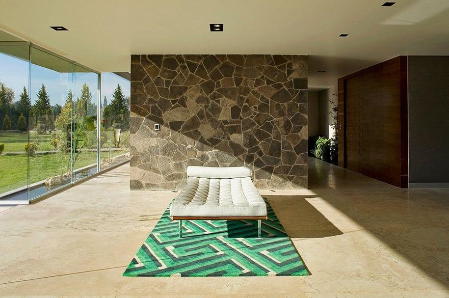 Дом из бетона в городке Пачука-де-Сото, Мексика