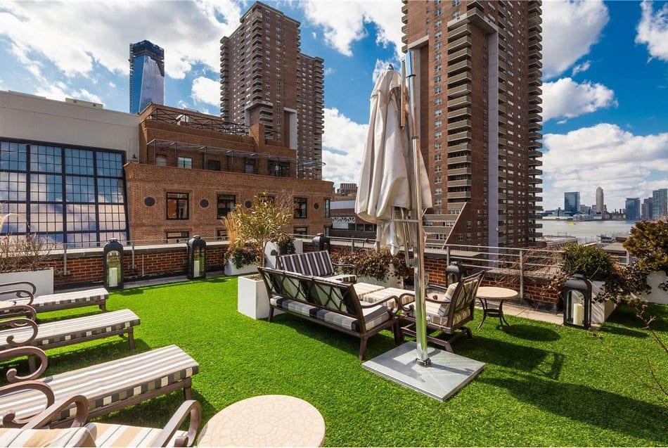 Двухэтажный пентхаус с огромной террасой на Манхэттене