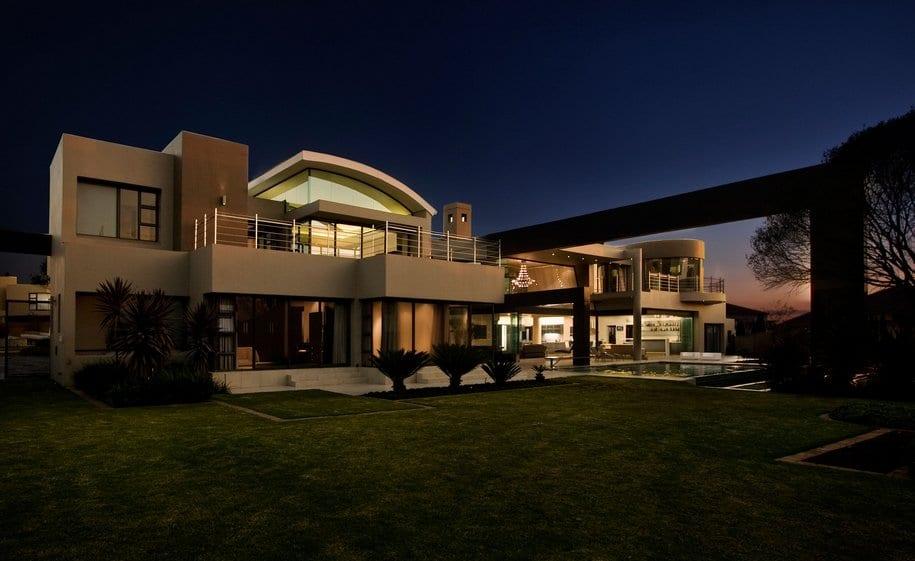 Огромный особняк в Южной Африке