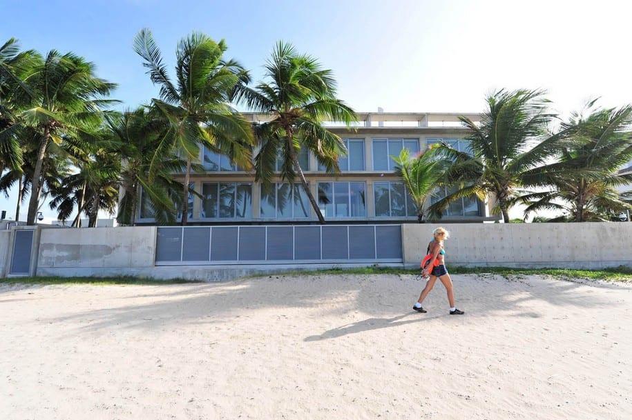 Особняк Casa Mar на берегу океана в Сан-Хуане