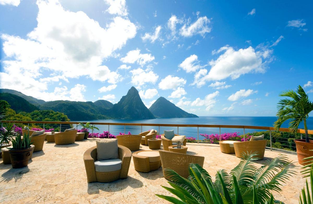 Отель Jade Mountain на берегу Карибского моря