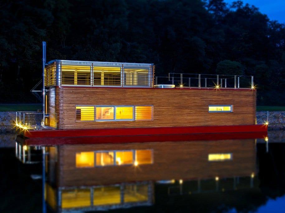 Плавучий дом Milan Ridky в Чехии