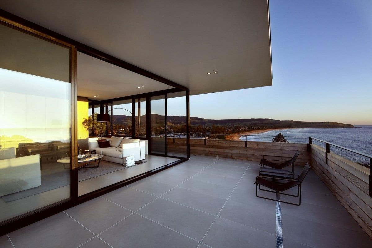 Пляжный дом с видом на побережье