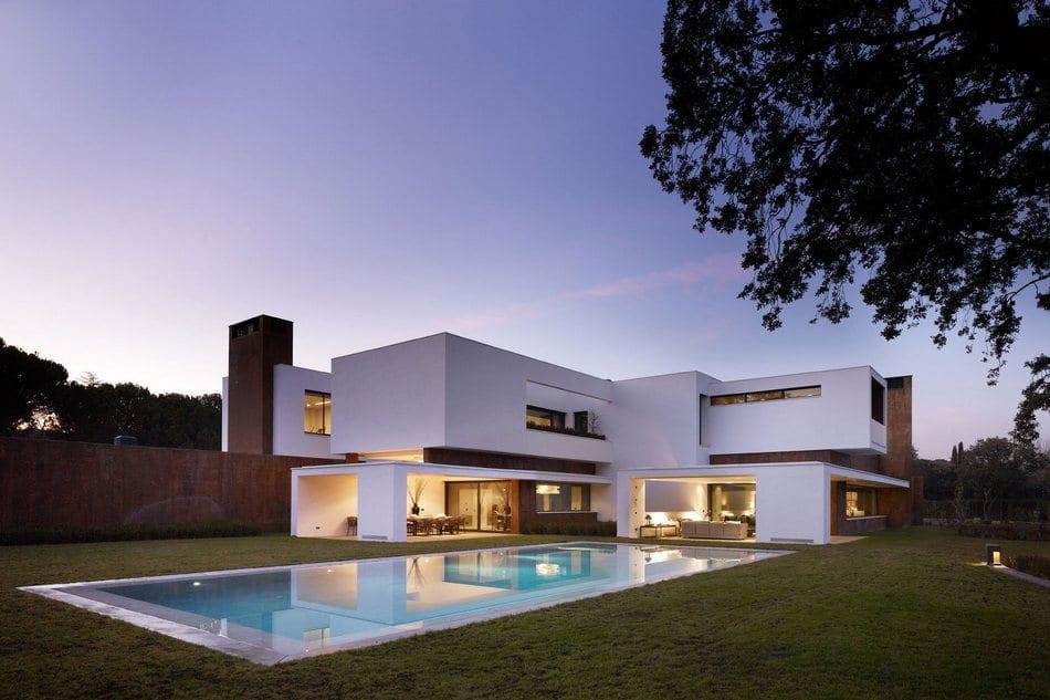 Приватный особняк в пригороде Мадрида
