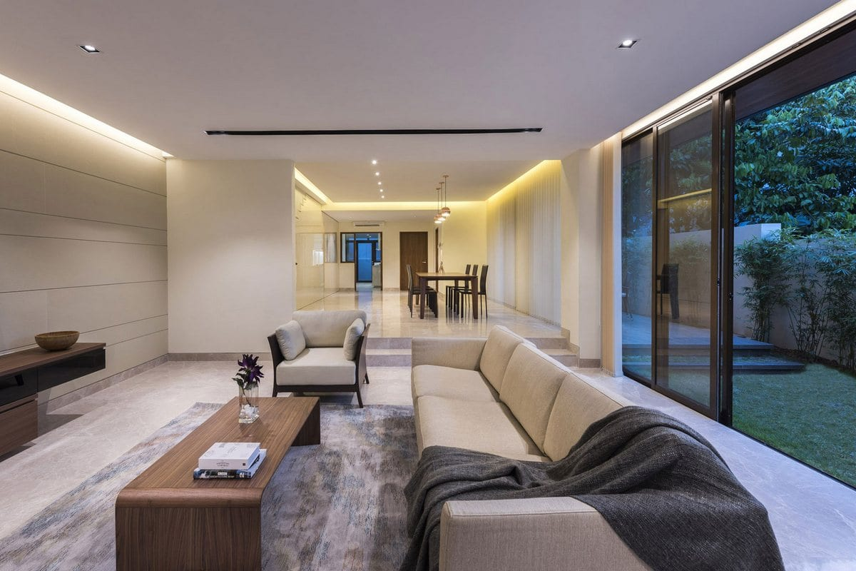 Просторный и изящный интерьер дома в Сингапуре