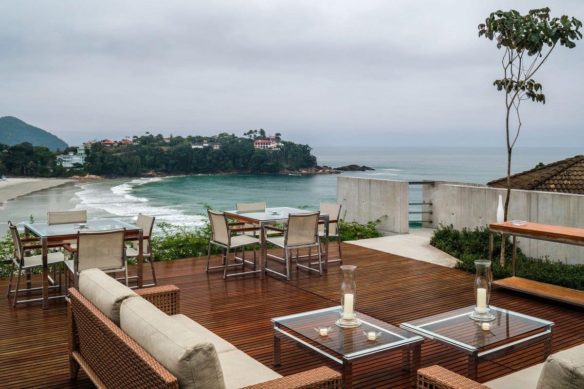 Резиденция с впечатляющим видом на побережье