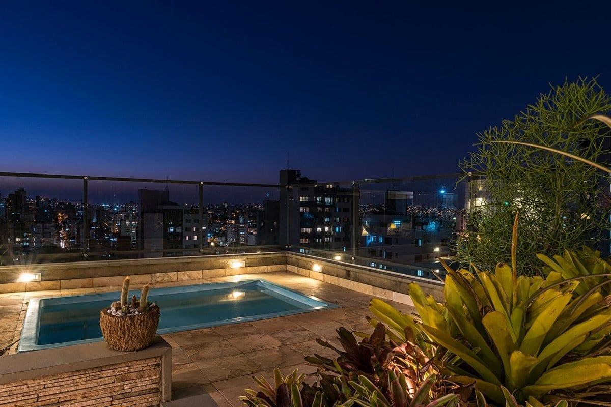 Celeno Ivanovo, Top House In Belo Horizonte, растения в интерьере, пентхаус с бассейном, бассейн на террасе фото, пентхаус в бразилии фото