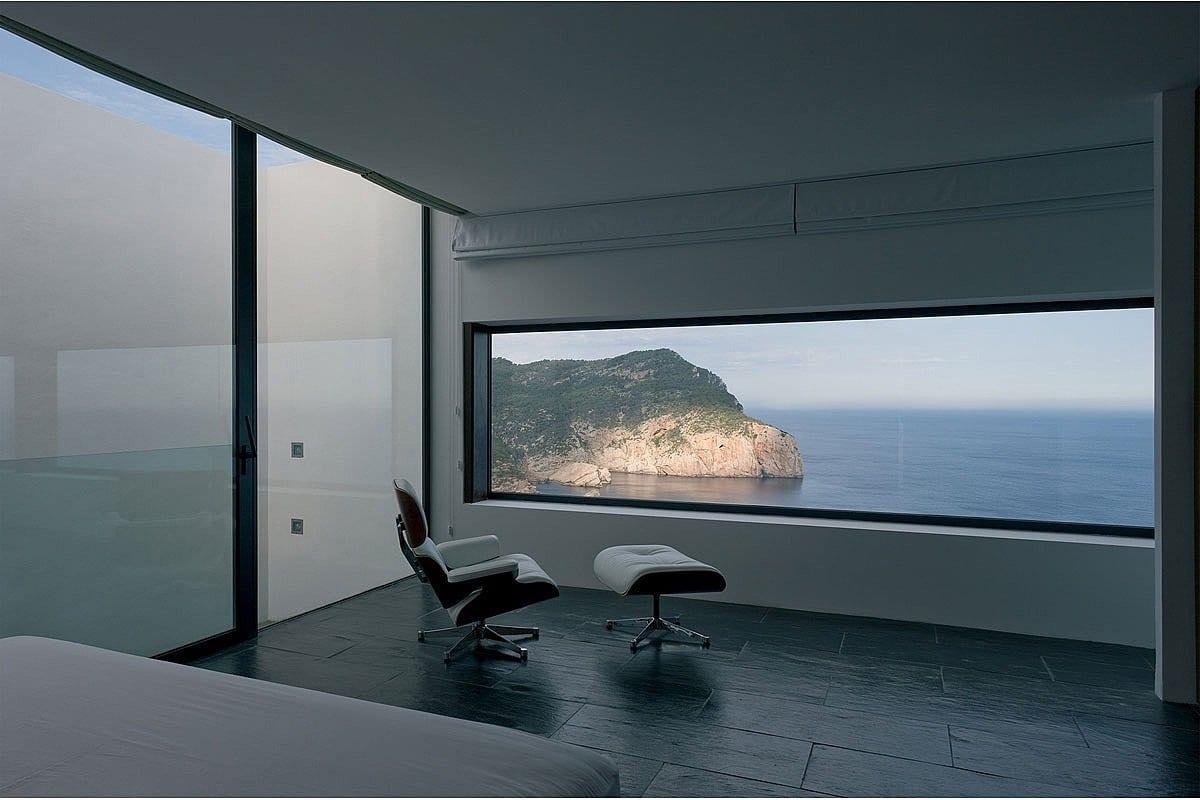 Роскошный дом на высоте 159 метров на Ибице