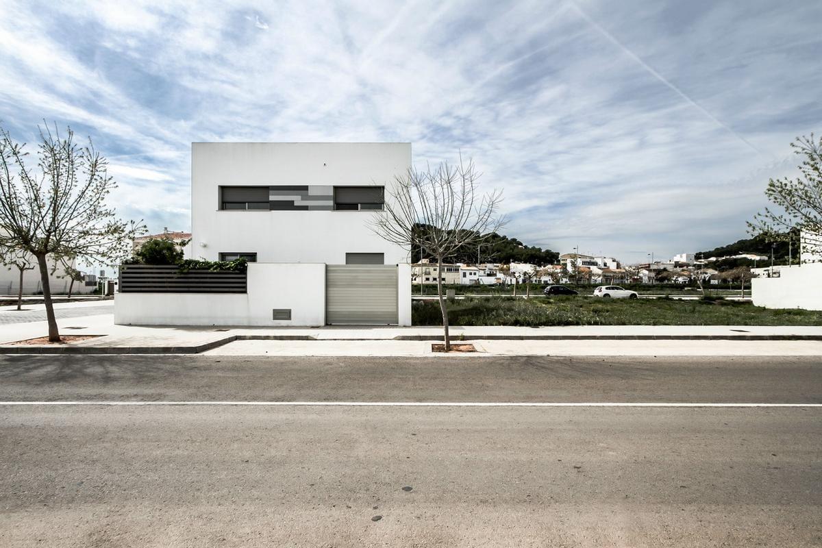 Современная классика House V02 в Валенсии