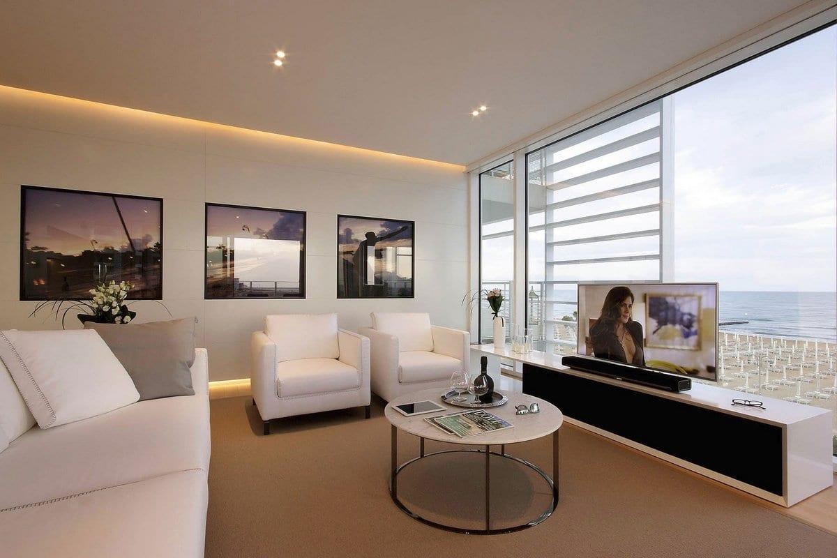 Beach Boiserie, JM Architecture, Лидо-ди-Йезоло, обзоры частных домов, особняк на берегу океана, дом на mthtue Адириатического моря, дом с видом на океан