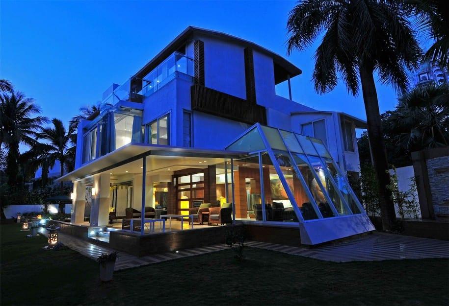 Трехэтажное бунгало от ZZ Architects в Индии