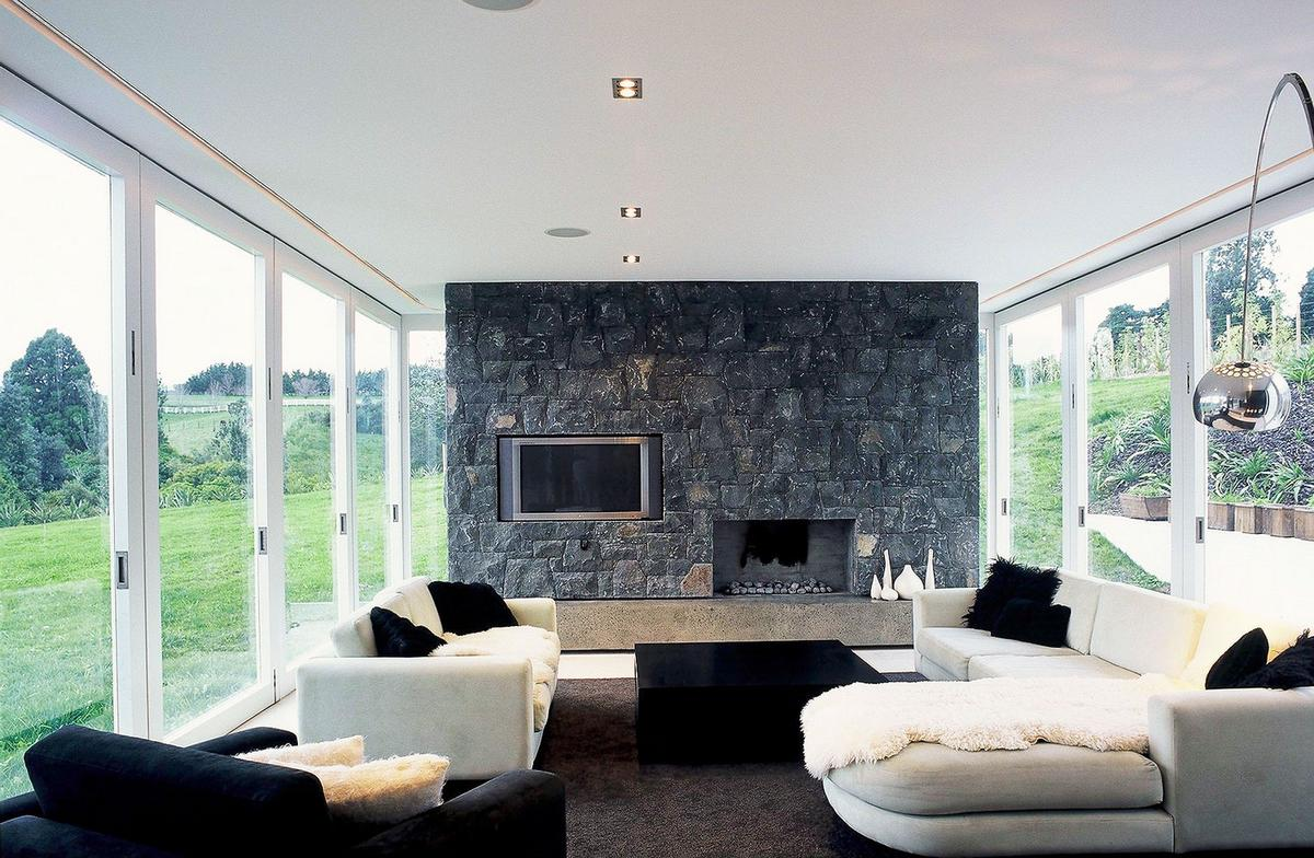Whites Road, Dorrington Architects & Associates, частные дома в Окленде, дома австралии фото, стены из базальта, черно-белый дизайн интерьера