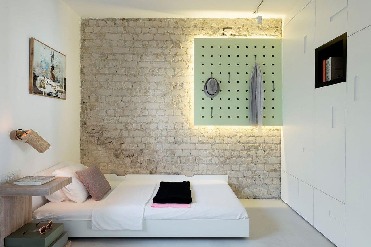 When color meets calm, дизайн двухкомнатной квартиры фото, красивые интерьеры квартир фото, скрытые ниши для хранения, апартаменты в Израиле фото