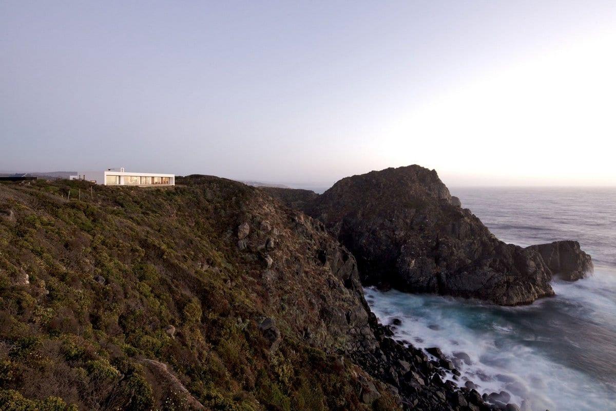 L2C, компания L2C, архитекторы L2C, дом на горе, дом на краю обрыва, дом с видом на океан, Tunquen House, особняк в Чили, особняк на берегу океана